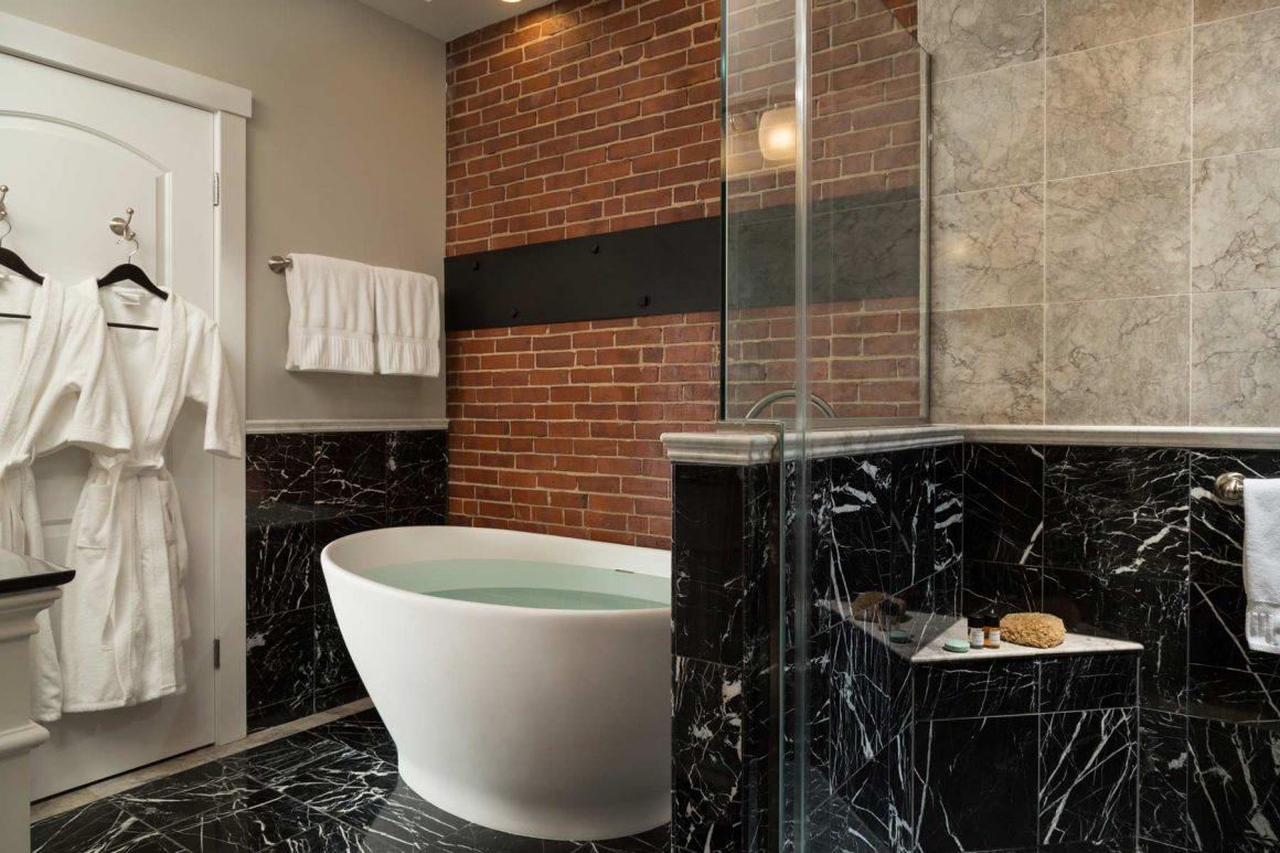 Bay View Street Guest Room Bathroom