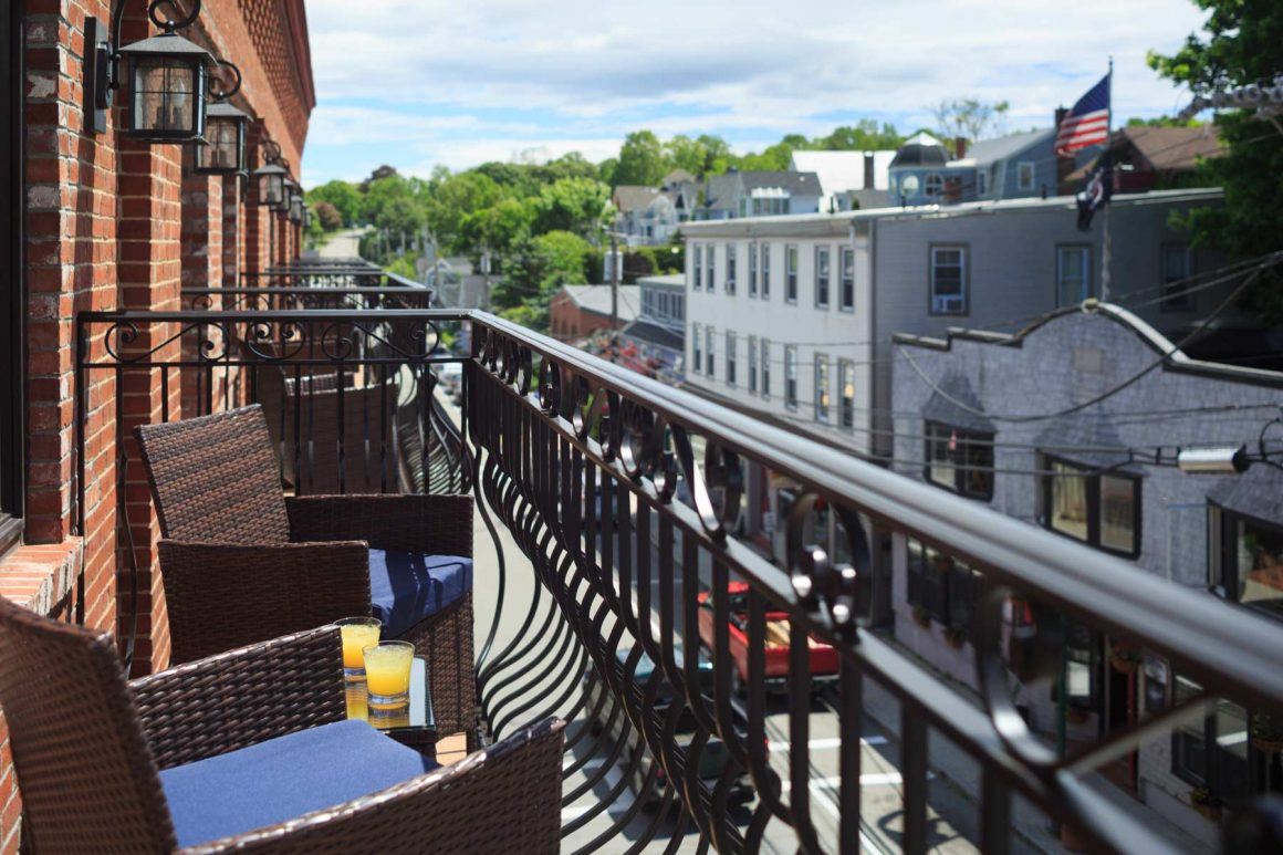 Bay View Street Guest Room Balcony