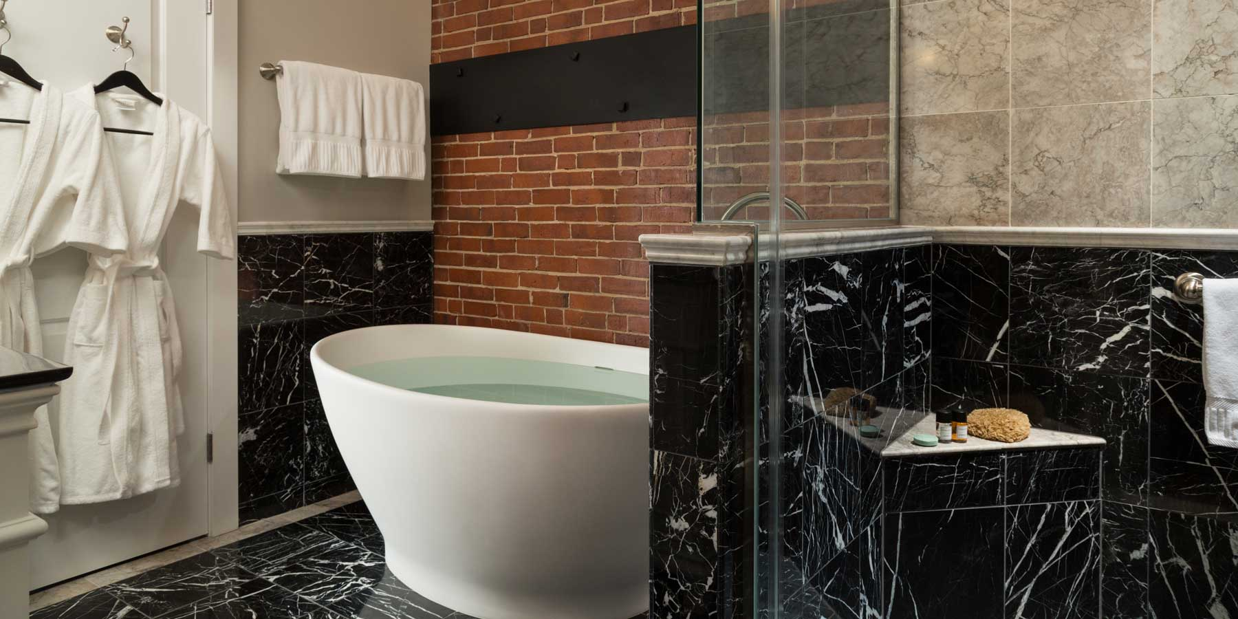16 Bay View Spa-Inspired Bathroom