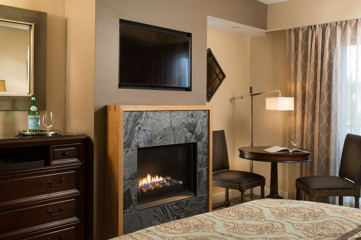 Deluxe King Fireplace
