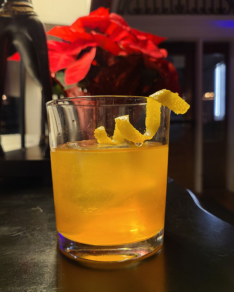 crafting a masterful and memorable cocktail for the holiday season